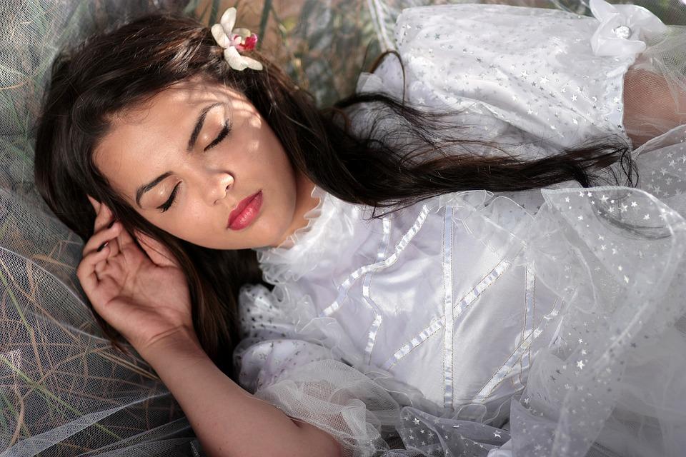 spánok, mladá žena